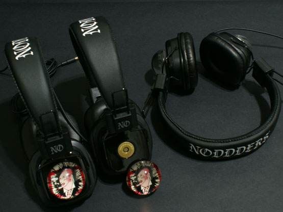 subculture cartoon headphones