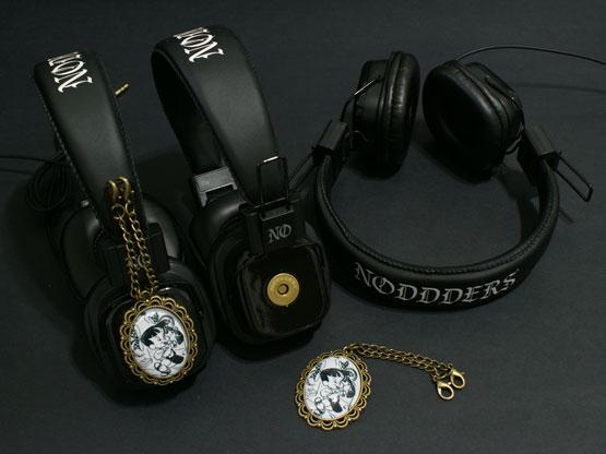 black and white cartoon headphones