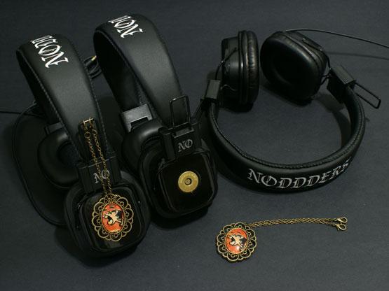 cartoon-screaming-small-full-noddders-headphones