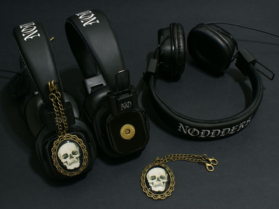 goth skull headphones noddders