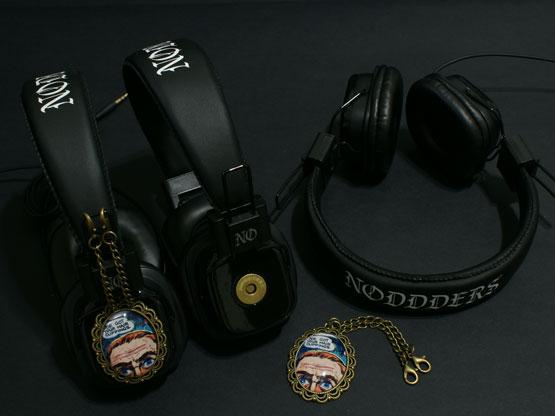 half-face-comics-full-noddders-headphones