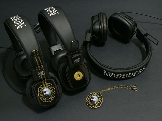 headphones with vampire pendants