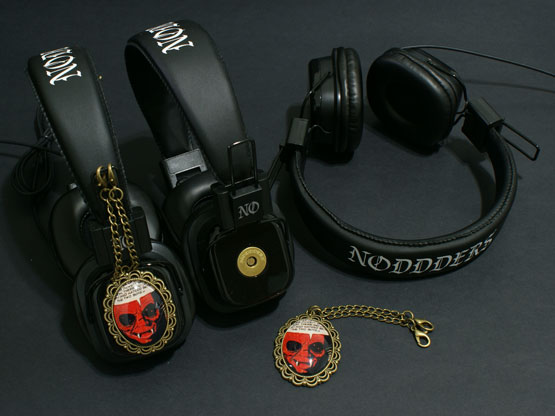 vampire comics headphones