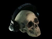 Skull with eye crystal