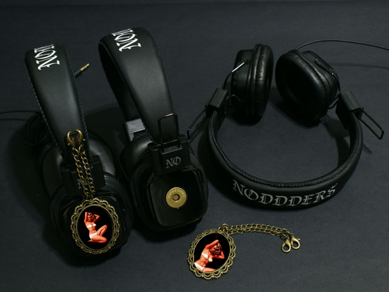 Pin-ups Headphones Noddders